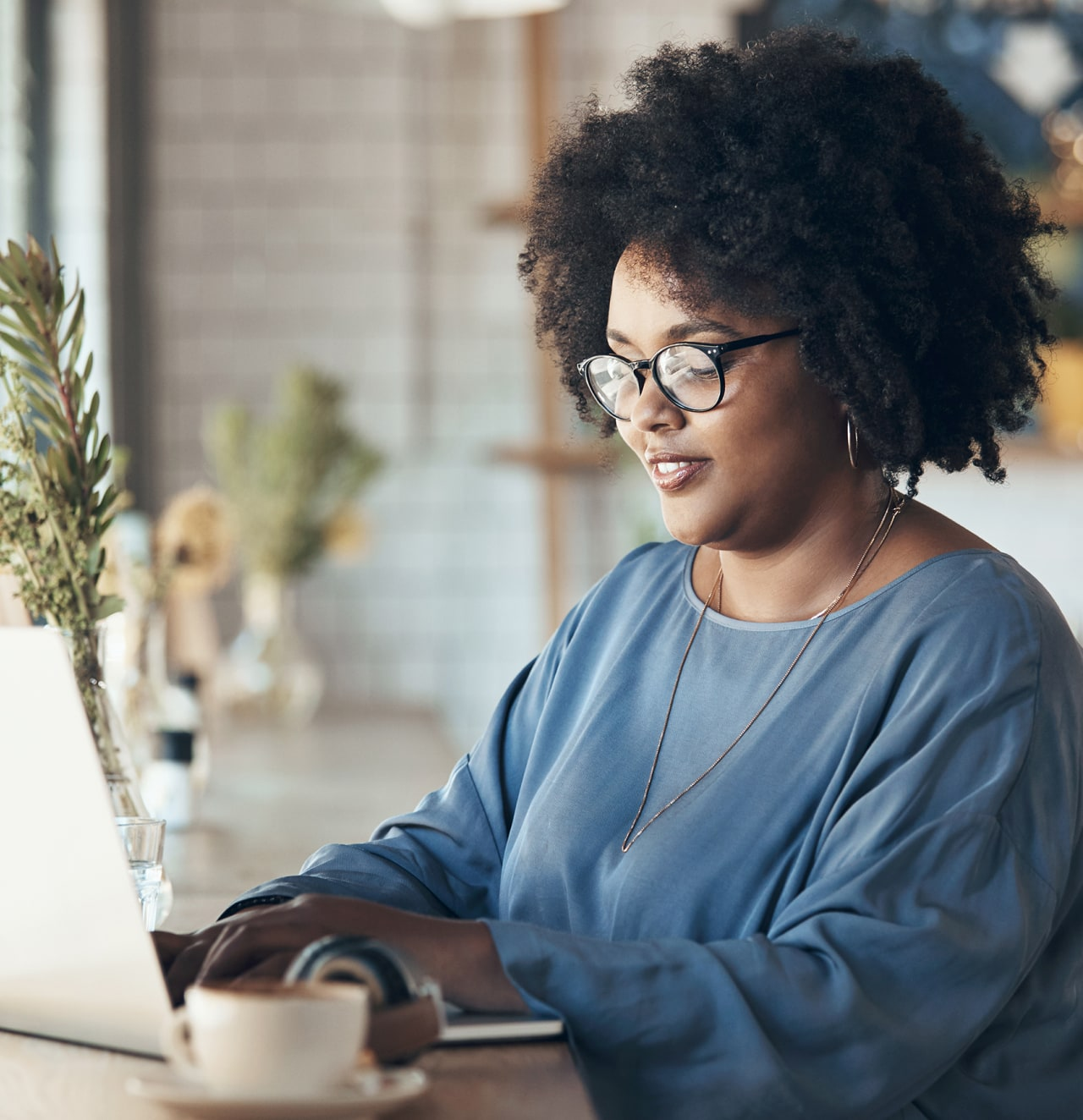 Marketing professional woman drives success with virtual events